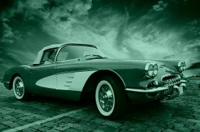 Canvas Wall Art Chevrolet Corvette classic, Glowing in the dark, 80 x 120 cm
